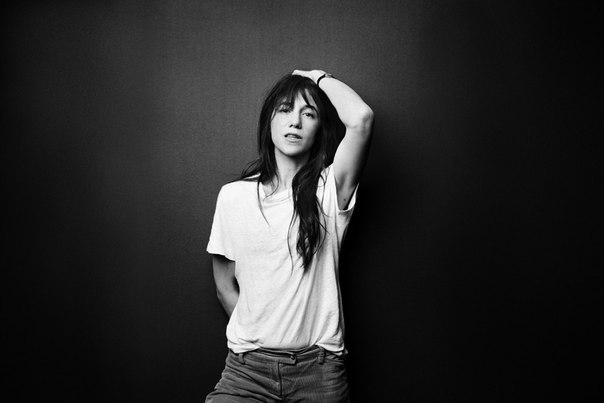 charlotte-gainsbourg-by-jesse-dittmar-3